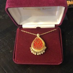 Jewelry - Jackie Kennedy gold pear shaped pendant/pin